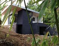 Une maison contemporaine en pleine nature.