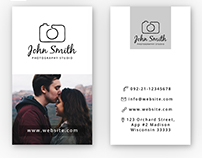 Freebie: Simple Photographer Business Card PSD Template