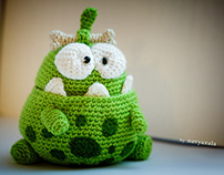 Bellied ancestor Om Nom from Cut The Rope Stone Age