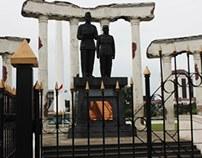 Surabaya : Tugu Pahlawan and Wayang