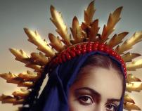 Madonna vestida de flores visita el infierno