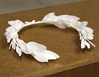 LAUREL WREATH / WEARABLE