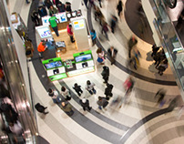 TORONTO - Black Friday madness took over the city