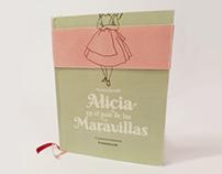 Alicia en el país de las maravillas. Libro.