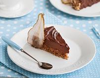 Chocolate, hazelnut and pears cake