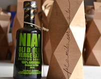 Christmas: Extra Virgin Catalan Olive Oil and Gaudí