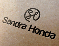 TCC - Identidade Visual para a cantora Sandra Honda