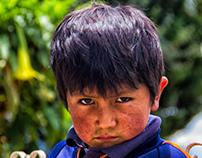 Seriedad infantil - Niño de Uranmarca, Apurímac