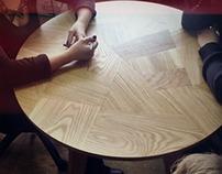 Стол. Round Table