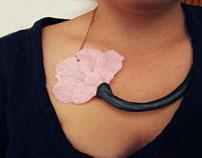 Carnation/Necklace