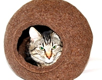 Cat Bed, Felt Cocoon - Warm Felt House for your Friend