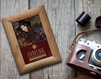 Free Retro Vintage Wooden Photo Frame Mockup