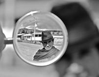 a través del lente