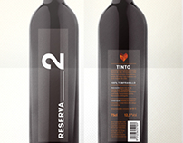 Reserva/2 wine bottle
