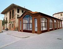 Restoration market in Dei Martiri Square