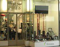 Vitrina tienda Davis, C.C. Jockey Plaza. (2010)