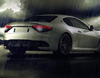 Auto bajo la lluvia
