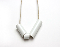 Porcelain jewelry called Milchgold