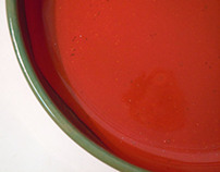 Classic red and green bowls