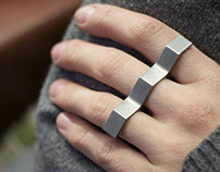 Three finger geometric ring