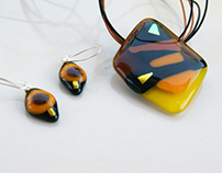 "Fused glass pendant and earrings set ""Honey and Gold"""