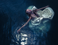 Underwater Photo Shoot: Suicide Bride
