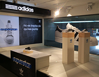 Escaparate Adidas Superstar - Intersport Rambla