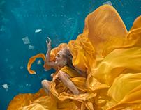 Bella | Underwater Shoot by Ilse Moore