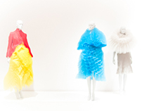 Photography Future Beauty: 30 Years of Japanese Fashion