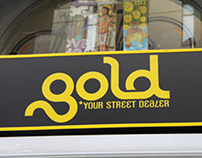 Window displays for streetstyle clothing shop GOLD
