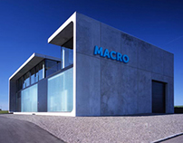 "Branding for the Bank ""Macro"""