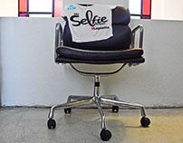 No es una silla cualquiera! KLM - City Selfie Project