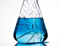 ACS Cracked Beaker