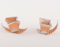 swinging porcelain cups