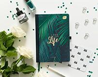 Green planner - flat lay