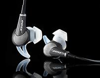 "Bose ""QuietComfort"" headphones on black grund"