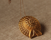 """Summer time"" straw hat pendant"
