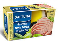 Packaging design for gourmet tuna filets in olive oil