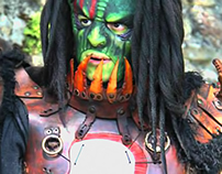 TSADOK: details of costume