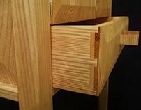 Korkeajalkainen kaappi (long legged cabinet)