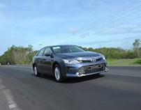 Toyota Camry 2014 rớt doanh số thê thảm