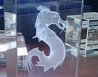Dragon USFQ 3D grabado láser en poliedo de cristal