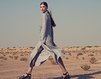 'Lost In The Desert' L'Officiel Hellas