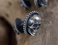 Skull cufflinks in sterling silver.
