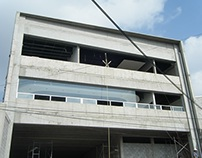 Edificio de Oficinas y Nave Industrial