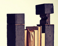 Monolith: A bookend book light