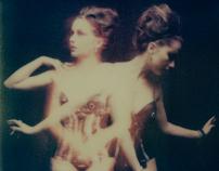 SX-70 Polaroid avec Acid Doll.....