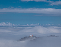 CASTLES BETWEEN SNOW AND CLOUDS