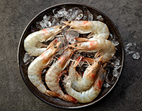 Fresh raw prawns