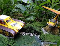 Mini Diorama - Crawler & Flyer Papertoy Photography